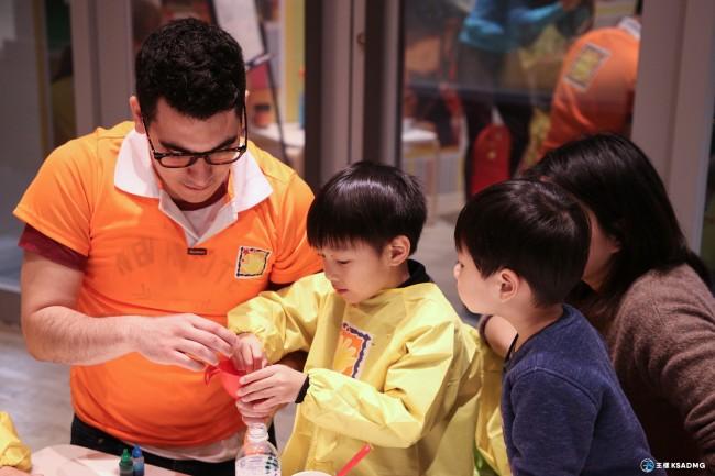 【孩童成長3~5】在英文中動手做,小小實驗家Little Scientist