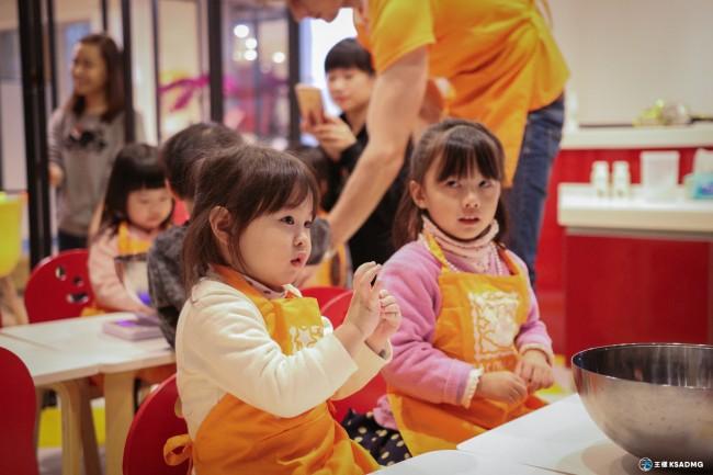 【孩童成長3~5】在英文中動手做,魔力小主廚 Magic Cooking