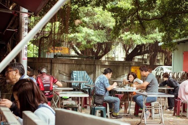 【美食散步】大稻埕邊走邊吃,導覽、美食與手作