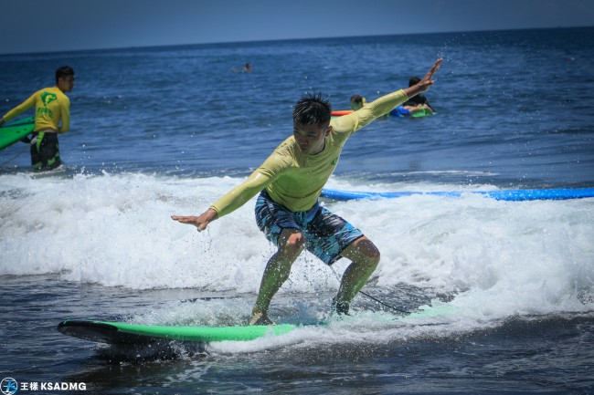 【衝浪】就是要起身,宜蘭烏石雙獅海灘衝浪新手體驗教學